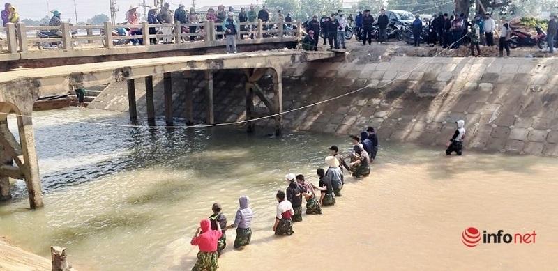 Hàng nghìn chiếc thang cứu đuối trên dòng sông 'tử thần' ở Nghệ An mong giảm tai nạn đuối nước