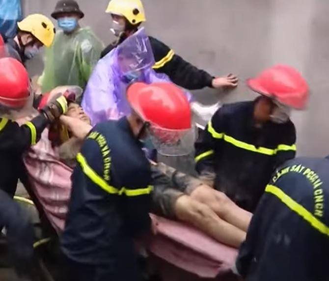 Người sống sót trong vụ sạt lở đất ở Quảng Ninh xin ra viện về lo hậu sự cho vợ
