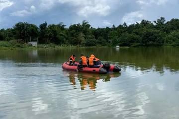 Người phụ nữ mang bầu tháng thứ 7 tử vong dưới hồ, nghi tự tử trong đêm