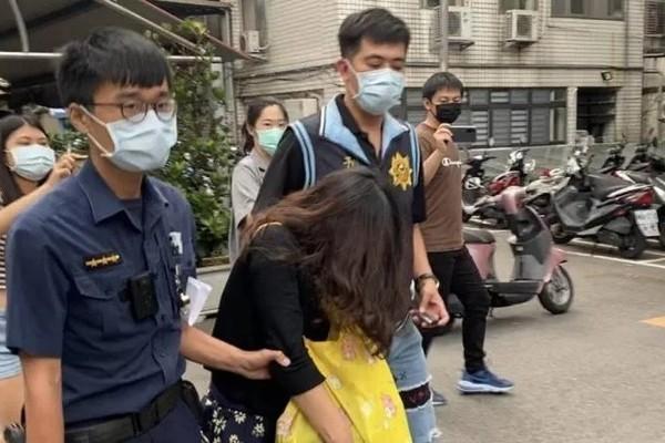 Câu chuyện khó tin sau hành động bỏ con vào xe rác của người mẹ ở Đài Loan