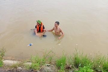 Tìm thấy thi thể 2 nạn nhân đuối nước khi tắm kênh ở Thanh Hóa