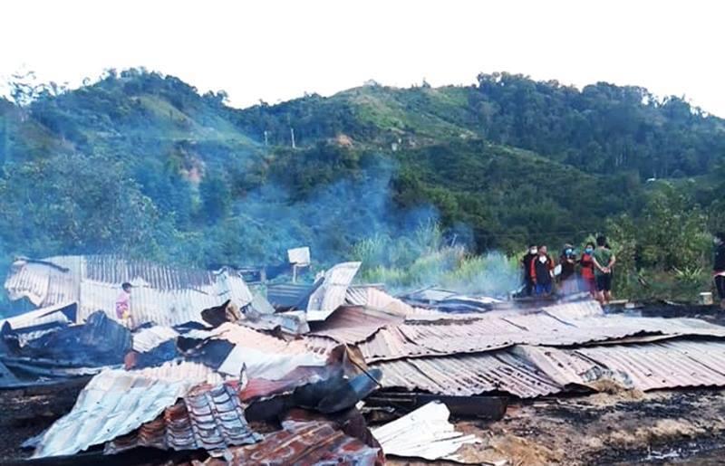 Cháy nhà lúc rạng sáng, vợ chồng giáo viên ở miền núi Quảng Nam lâm cảnh trắng tay