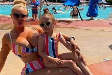 Cho con gái bú mẹ tới 5 tuổi và chưa định cai sữa, người mẫu Coco Austin gây tranh cãi
