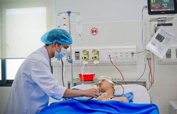 Cứu sống thai phụ 21 tuần bị xuất huyết não