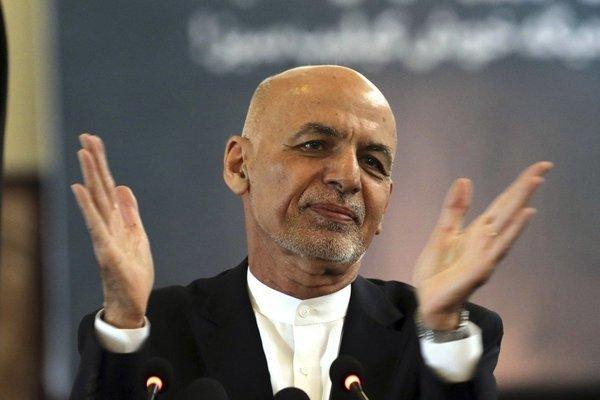 Nga: Tổng thống Afghanistan bỏ lại tiền ở sân bay vì trực thăng không chở hết