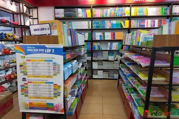 Phụ huynh mua sách khó khăn, nhà xuất bản mong SGK được vào mặt hàng thiết yếu