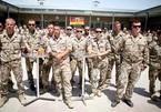 Quân đội Đức chỉ sơ tán 7 người từ Afghanistan, nhưng mang cả kho bia 'ế' về nước?