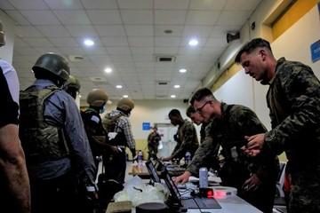 Quân đội Mỹ lâm cảnh bất lực ngoài phạm vi sân bay Kabul