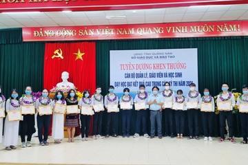 Quảng Nam: Tuyên dương giáo viên, học sinh có thành tích xuất sắc trong kỳ thi tốt nghiệp THPT