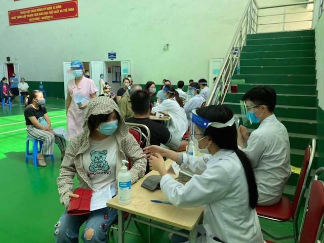Lỡ dịp vào Nam chống dịch, nam sinh trường y khoa ở Hà Nội 'không ngồi im'