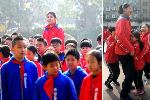 Trung Quốc: Nhiều cha mẹ vung tiền, ép con tiêm hormone tăng chiều cao
