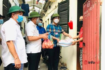 Hơn 10 tấn gạo, 2,7 tấn trái cây, rau củ... hỗ trợ người khó khăn tại phường Ngọc Thụy