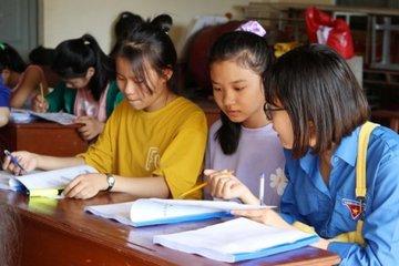 Hà Tĩnh: Hỗ trợ tối đa học sinh điểm cao, hoàn cảnh đặc biệt khó khăn vào học đại học