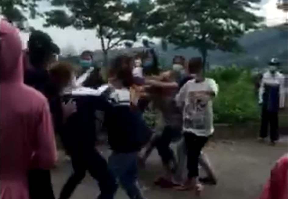 bạo lực học đường,học sinh đánh nhau,Hòa Bình