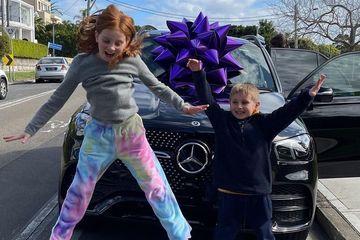 Người mẹ gây tranh cãi khi chi 6 tỷ đồng mua xe ô tô tặng con gái 9 tuổi