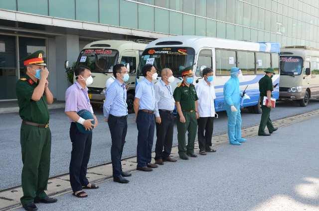 Thanh Hóa đón 189 công dân có hoàn cảnh đặc biệt khó khăn từ vùng dịch về quê bằng máy bay