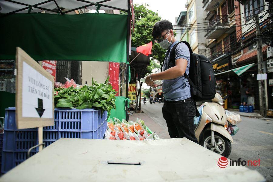 Hà Nội: Cửa hàng rau củ không người bán, đồng giá 10 ngàn, chưa có tiền không cần trả