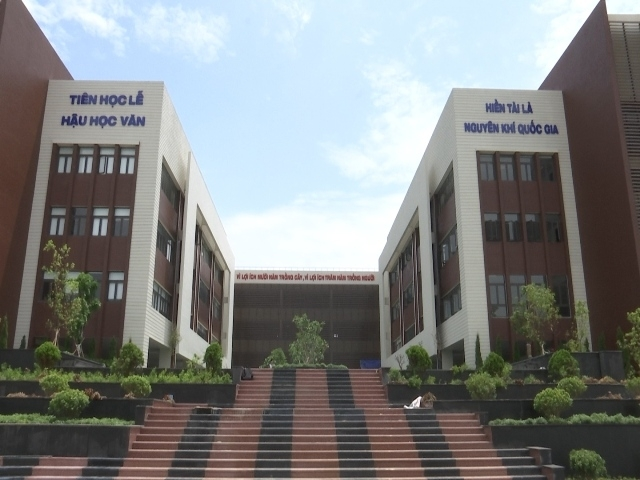 Hỗ trợ 1 tỷ đồng mua nhà cho giáo sư, tiến sĩ về dạy Trường THPT Chuyên Bắc Ninh