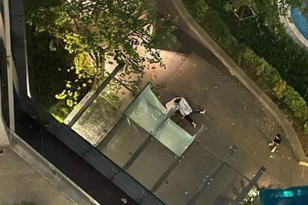 Cô gái trẻ nhảy từ tầng 23 chung cư xuống đất, nghi do mâu thuẫn với người nhà