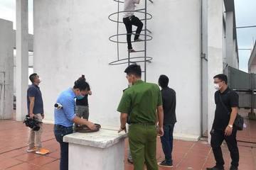 Nam công nhân trộm hàng loạt dây đồng chống sét ở chung cư, lộ giấy đi đường tự ký đóng dấu