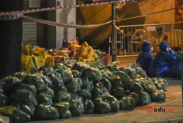 Hà Nội: Cách ly y tế ổ dịch hơn 100 ca F0, thực phẩm chuyển đến ngay trong đêm