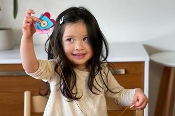 'Mách' bố mẹ 1 trò chơi đơn giản giúp trẻ rèn luyện đôi tay khéo léo