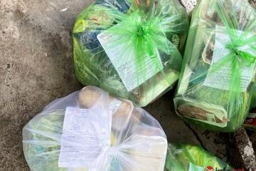 Đã có người đi chợ giúp, người dân TP Buôn Mê Thuột an tâm ở nhà phòng, chống dịch