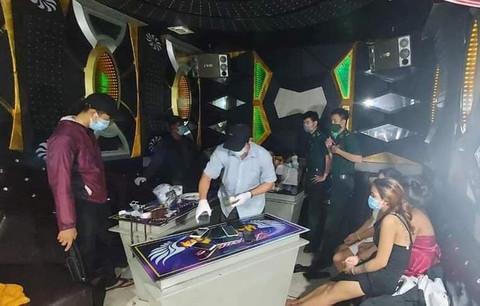 tụ tập ăn nhậu,hát karaoke,tiệc ma túy,Quảng Ngãi,Chỉ thị 16,phòng chống dịch