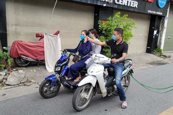 Tạm giữ thanh niên vừa ra tù, nghiện đi giật điện thoại trên phố Hà Nội