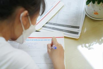 Phương án nào cho thí sinh không thể đến trường để đăng ký thêm số lượng nguyện vọng?
