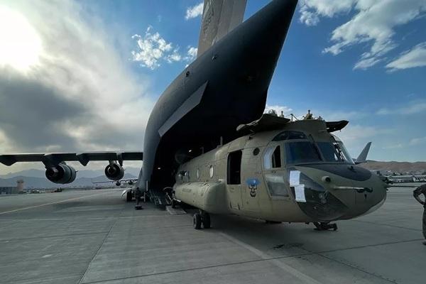Quân đội Mỹ hoàn thành rút khỏi Afghanistan, hàng trăm người bị bỏ lại