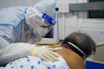Nỗi lo nhân viên y tế stress trong đại dịch