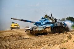 Bán kết 'Xe tăng hành tiến' đội Nga giữ vững phong độ