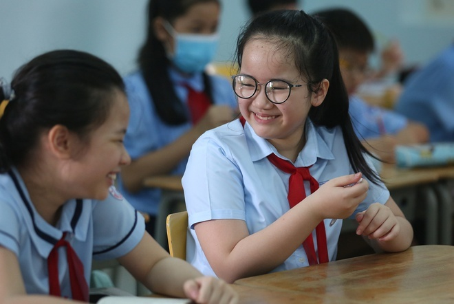 Hà Nội và nhiều địa phương miễn giảm học phí, phụ huynh bớt gánh lo mùa dịch