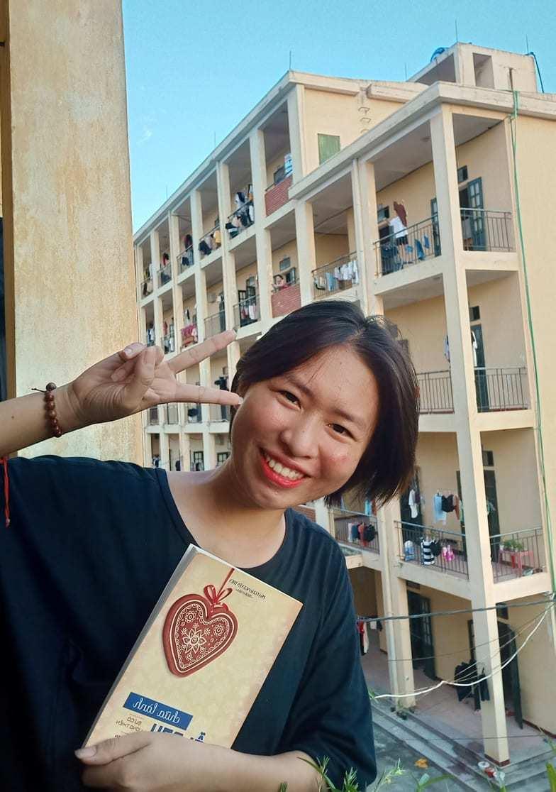Hồng Dương,Nữ sinh ĐH Công nghiệp Dệt