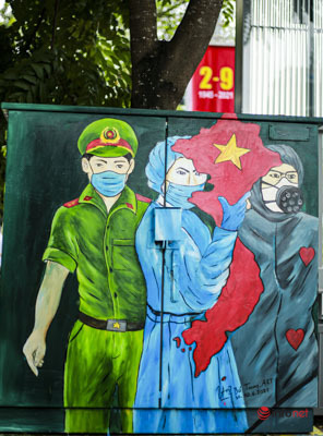 Hà Nội vắng vẻ, rợp cờ đỏ sáng Quốc khánh 2/9