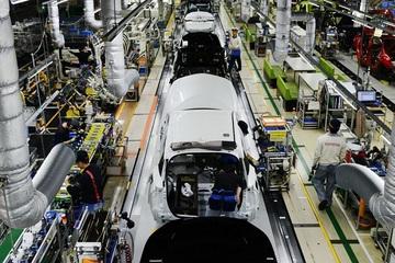Covid-19 vừa quật ngã hãng xe lớn nhất thế giới