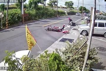 Kỳ lạ sau tai nạn kinh hoàng, nạn nhân vội bỏ đi, mặc thủ phạm đứng chờ cảnh sát