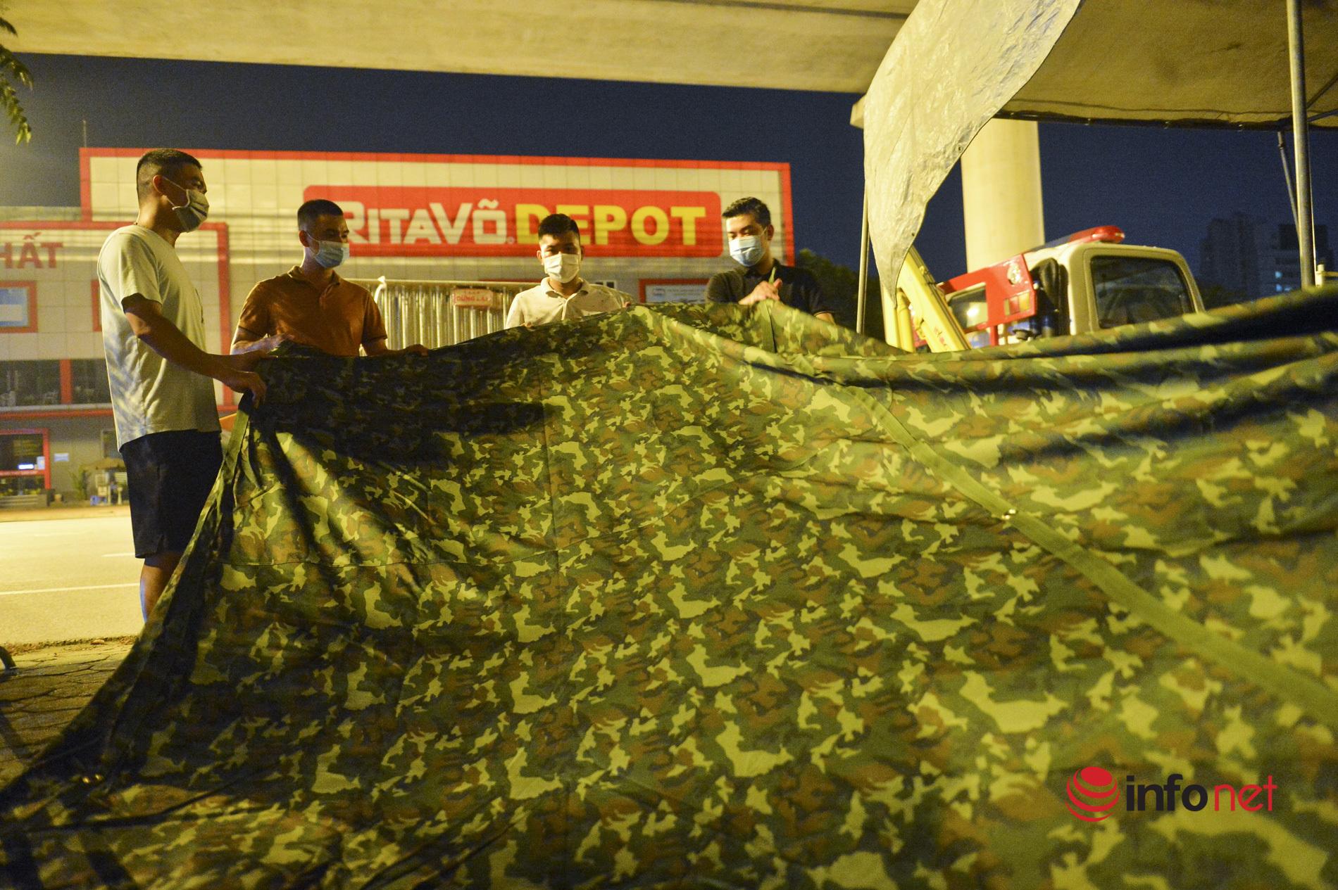 Hà Nội: Xuyên đêm dựng lều dã chiến để phòng chống dịch