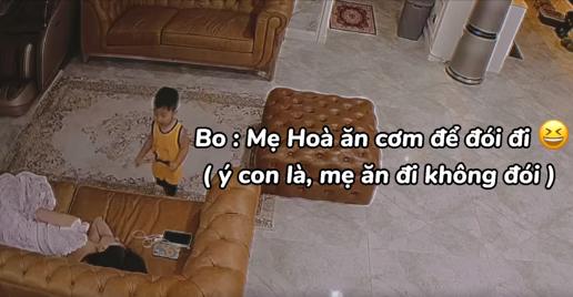 """Lon ton vào bếp tìm đồ ăn cho mẹ, con trai 2 tuổi của Hòa Minzy """"đốn tim"""" dân mạng"""
