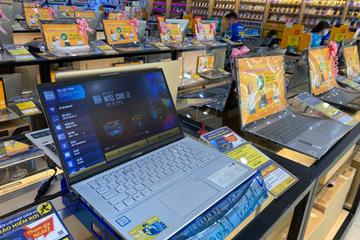 Nhu cầu laptop tăng vọt