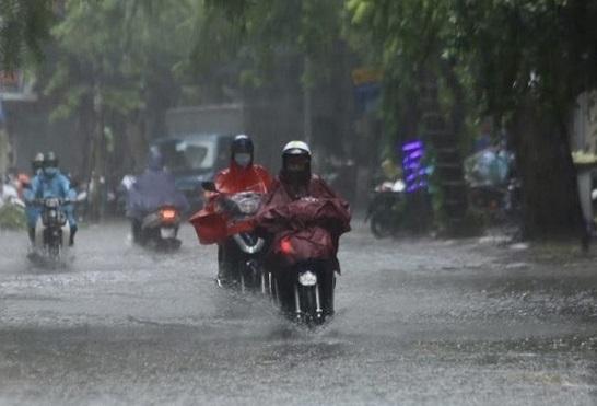 Mưa dông bao trùm diện rộng, Hà Tĩnh đến Thừa Thiên Huế có mưa rất to