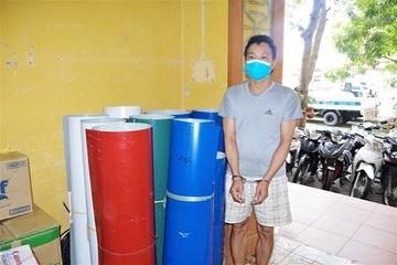Thủ kho ''trộm'' gần 400m tôn Hoa Sen