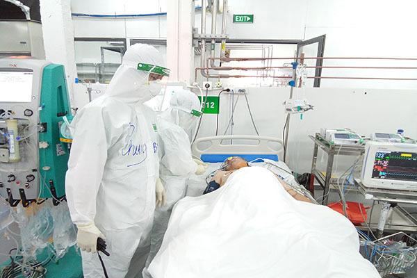 Trung tâm HSTC người bệnh Covid-19: 32 bệnh nhân nặng, nguy kịch đã được xuất viện