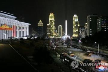 Triều Tiên bắn pháo hoa, duyệt binh trong đêm mừng Quốc khánh