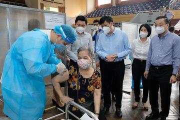 Bộ trưởng Bộ Y tế cảm ơn các địa phương đã nhường vắc xin cho Hà Nội