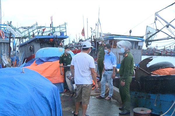 Thừa Thiên - Huế,Sẵn sàng ứng phó,Bão số 5,tàu thuyền,di dời dân,gió mạnh,cấm ra đường,đảm bảo an toàn