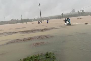 Miền Trung mưa lớn, ngập úng nhiều nơi do ảnh hưởng bão số 5