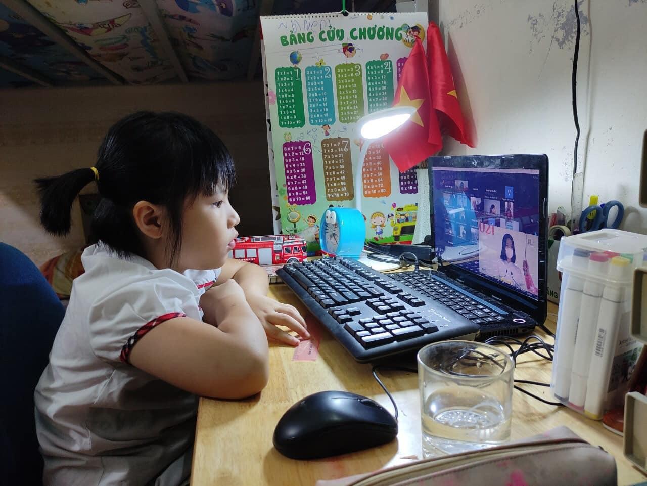 Học sinh lớp 1, 2 không phải kiểm tra, đánh giá trong thời gian học online