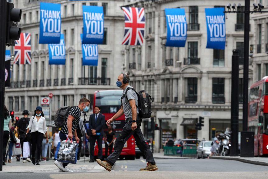 Doanh nghiệp Anh 'lao đao' vì thuế tăng sau đại dịch